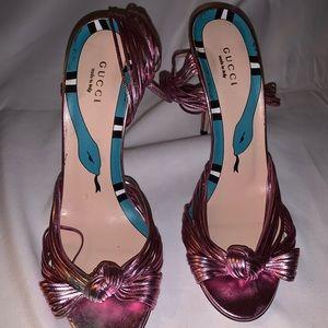 Gucci Pink Metallic knot sandals